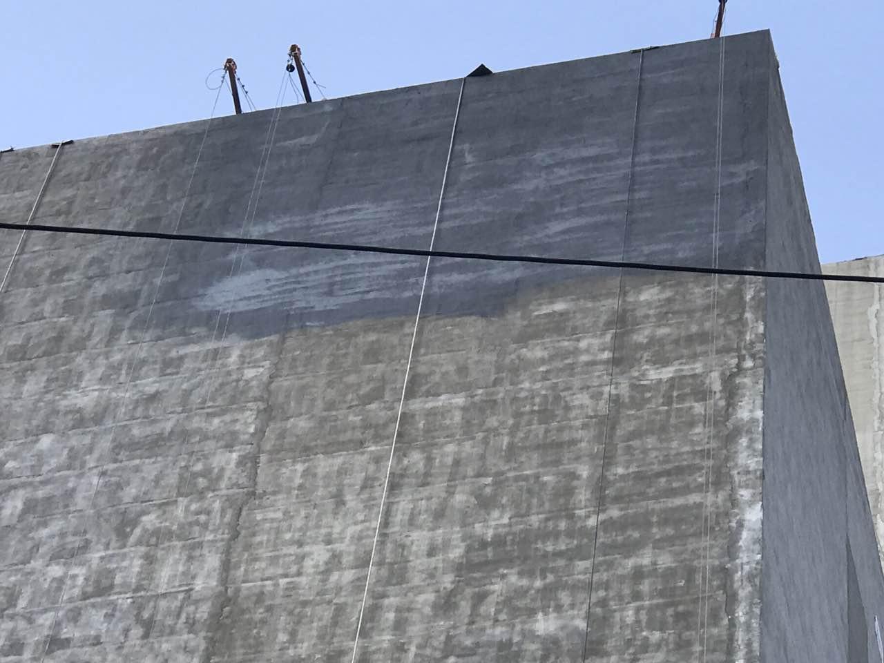 兰州东部市场品牌楼兰州国际创意城外墙正在施工