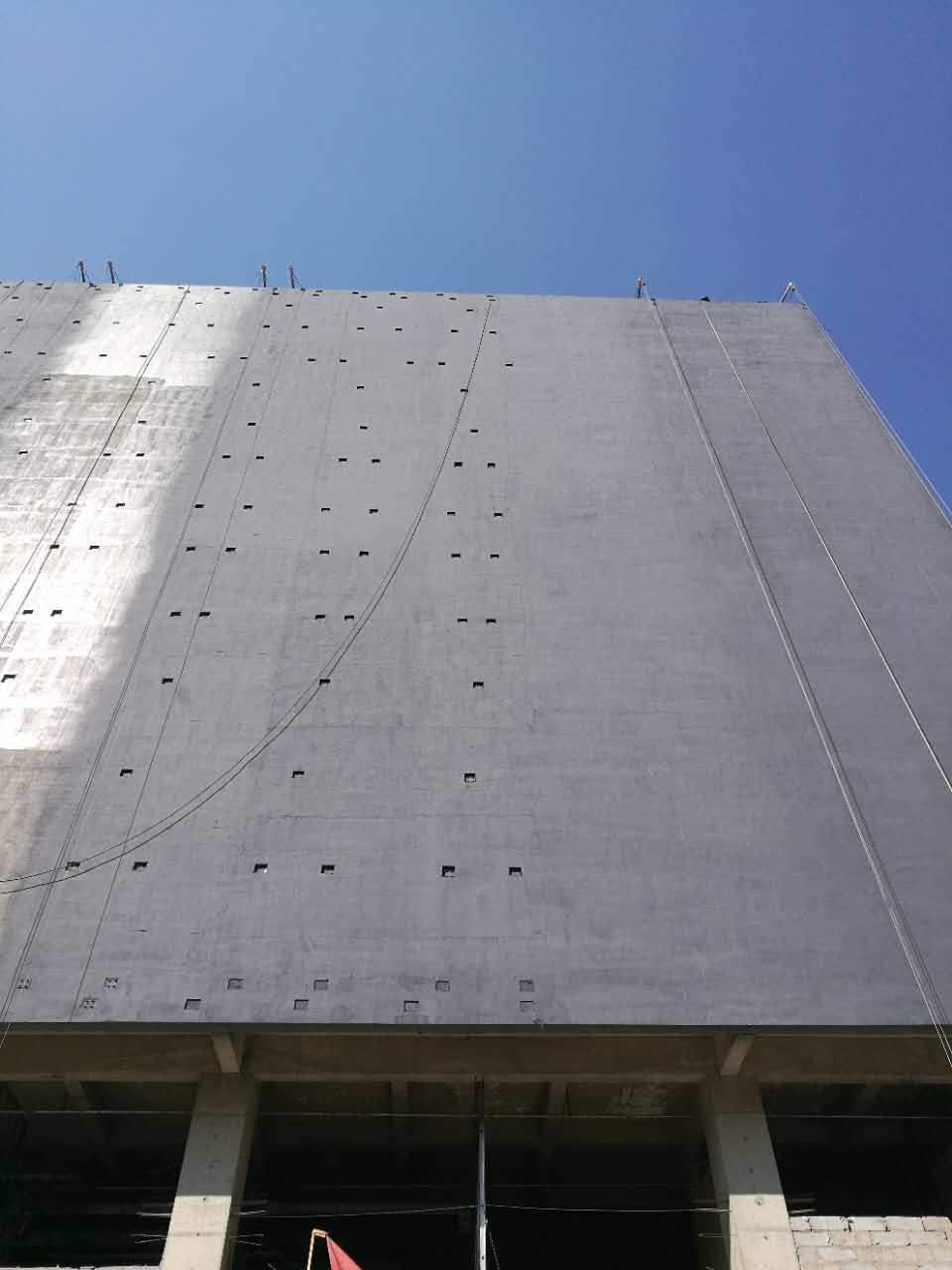 兰州国际创意城外墙正在使用哥拜耳无机外墙涂料施工